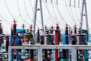 subestação elétrica de alta tensão com transformadores