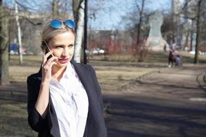 mulher de negócios de moda jovem foto