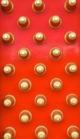o estilo chinês da porta de madeira foto
