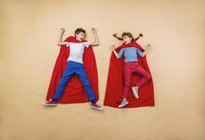 crianças como super-heróis foto