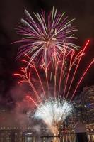 fogos de artifício em darling harbour - sydney foto