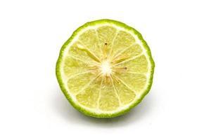 bergamota isolado fundo branco. foto