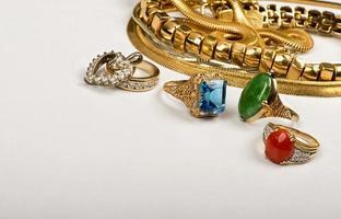 sucata de jóias de ouro. foto