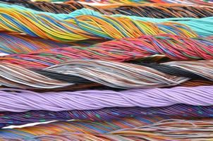 cabos de telecomunicações multicoloridos foto