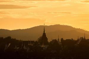 wat proibição den templo maetang chiangmai tailândia foto