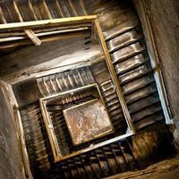 escada em espiral.
