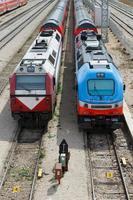 trens ferroviários