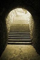 túnel de tijolos antigos