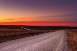 horizonte de estrada de cascalho do país