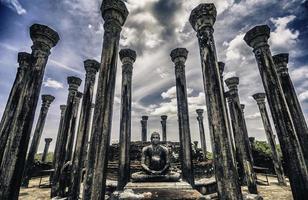 ruínas antigas de watadage em polonnaruwa em medirigiriya, sri lanka foto
