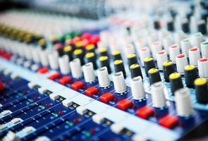 controle do mixer de som foto