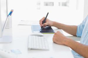 seção intermediária de um editor de fotos usando a mesa digitalizadora