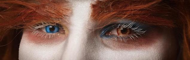 closeup tiro do rosto de um palhaço