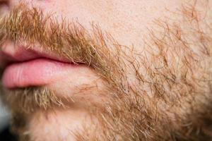 barba e pêlos faciais foto