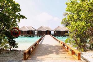belas casas de madeira nas Maldivas