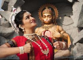 dança do templo indiano foto