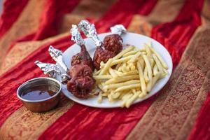 pirulito de frango comida indiana tradicional foto
