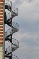escada em espiral do lado de fora
