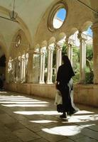 freira, mosteiro franciscano, dubrovnik, croácia