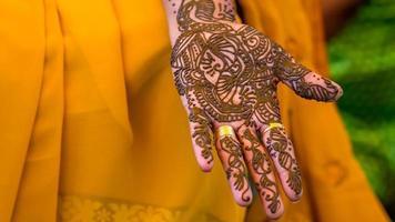 tatuagem de henna de secagem do sul da Índia