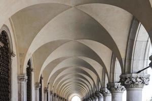 arco no palácio do doge foto