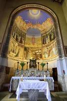 interior da igreja visitação, jerusalém foto