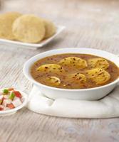 aloo raswala, aloo sabji, comida indiana foto