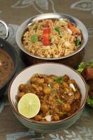 chana masala ou grão de bico picante, comida indiana foto