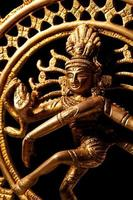 estátua do deus hindu indiano shiva nataraja foto