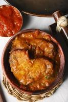 tenga - um prato popular de assam. foto