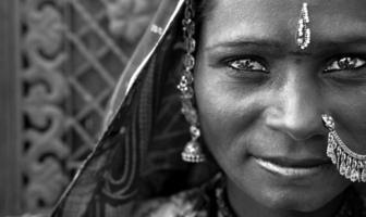 retrato de uma mulher de Rajastão da Índia foto