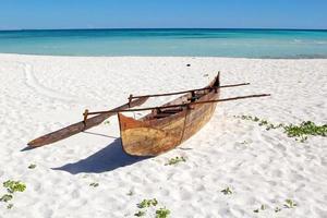 barco malgaxe de pescador, madagascar