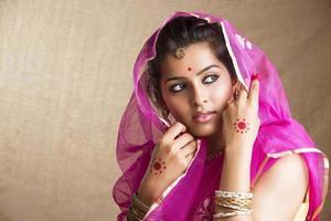 linda menina indiana tradicional