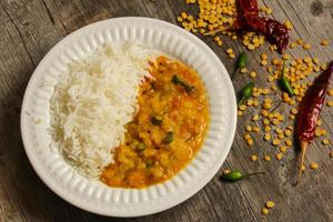 caril indiano da lentilha de dal