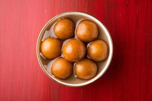 closeup de gulab jamun / doces indianos foto