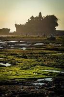Ilha de tanah lot .bali. Indonésia. foto
