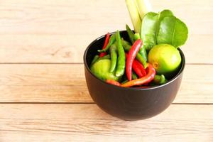 especiarias e ervas da sopa de inhame tom tailandês