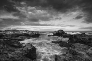 paisagem bonita do nascer do sol de godrevy no litoral da Cornualha em foto