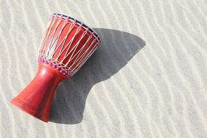 Djembe na areia