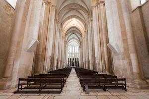 interior do mosteiro de alcobaca