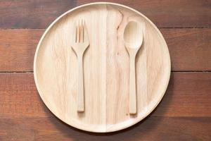 prato de madeira vazio foto