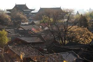 telhados da antiga cidade histórica de lijiang dayan.