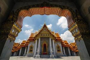 Templo de mármore de benjamabophit-wat em bangkok, Tailândia foto