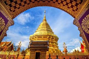 wat phra that doi suthep, templo bonito popular foto