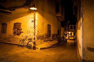 rua noturna antália foto