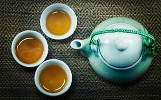 conjunto de conceito de vida de xícara e maconha de chá chinês foto