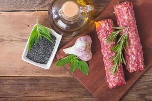 kebab de carne tradicional turca crua foto