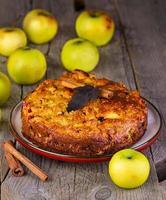 torta de maçã com canela foto