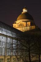 """o edifício histórico do governo """"staatskanzlei"""" em munique, alemanha foto"""