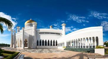 mesquita do sultão omar ali saifuddin em brunei foto